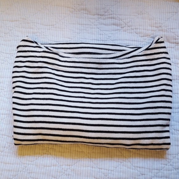 GAP Tops - Long sleeve striped top